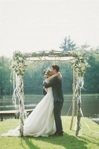 Plenty-of-Posies-wedding-arch-ideas-600x898